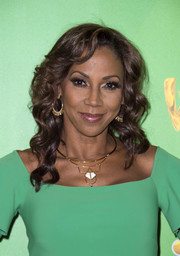 Holly Robinson Peete was glamorously coiffed with this curly 'do at the Television Academy event for 'The Wiz Live!'