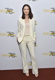 Caitriona Balfe went for relaxed sophistication in a white pantsuit for the 'Outlander' panel discussion.