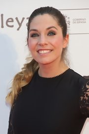 Leire Martinez tied her curly ombre hair in a low ponytail for a movie premiere.