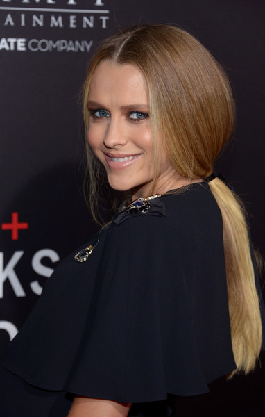 Teresa Palmer Loose Ponytail [hair,hairstyle,blond,beauty,layered hair,long hair,premiere,lip,bob cut,brown hair,arrivals,teresa palmer,screening,hacksaw ridge,beverly hills,california,samuel goldwyn theater,summit entertainment,screening]