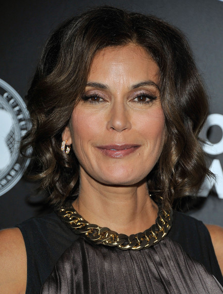 Teri Hatcher Short Curls [hair,hairstyle,face,eyebrow,chin,layered hair,long hair,brown hair,lip,black hair,teri hatcher,quincy jones,montblanc de la culture arts patronage awards,california,los angeles,chateau marmont,montblanc presents the,montblanc de la culture arts patronage award ceremony]