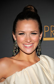 Shantel VanSaten looked super elegant at the PRISM Awards. She donned a sleek updo, which she highlighted with dangling emerald green earrings.