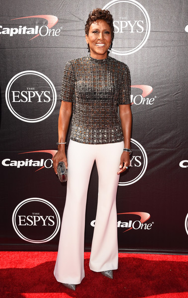 Robin Roberts chose a pair of on-trend white flare pants to complete her look.