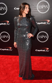 Hope Solo brought plenty of sparkle to the ESPYs red carpet with this fully sequined gray gown by Badgley Mischka.