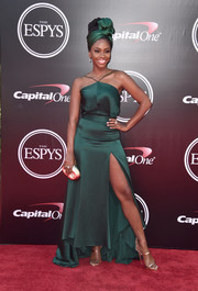 Teyonah Parris got glam in an emerald-green halter gown with a matching headdress for the 2016 ESPYs.