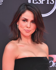 Eiza Gonzalez wore her hair in a stylish flip at the 2018 ESPYS.