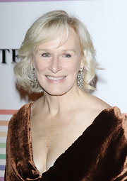Glenn Close attended that 34th Kennedy Center Honors wearing 19th century diamond pendant earrings.