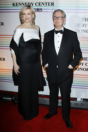 Diane Sawyer chose a sophisticated black-and-white off-the-shoulder gown for the 34th Kennedy Center Honors.