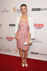 Angela Sarafyan polished off her outfit with a sleek white blazer, also by Giorgio Armani.