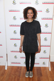 Gugu Mbatha-Raw continued the casual vibe with black skinny jeans.