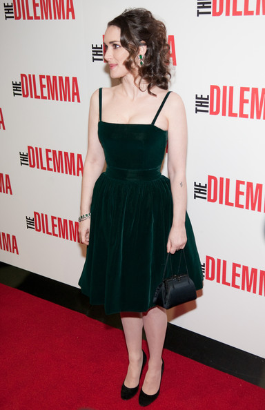 Winona wore a green velvet cocktail dress in a sweet silhouette for 'The Dilemma' premiere.