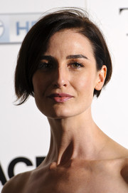 Erin O'Connor sported a breezy short side-parted 'do during the launch of 'The Face.'