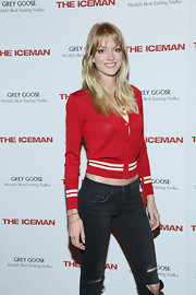 Lindsay Ellingson chose this red cardigan for a cool and casual evening look.