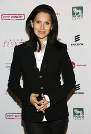 Hilaria Baldwin layered a fitted black jacket over a white button-down for a smart finish at the Inaugural Hope North Gala.