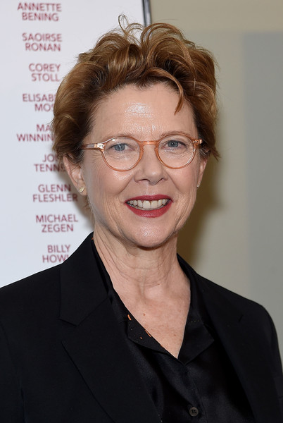 Annette Bening kept it casual with this messy 'do at the New York screening of 'The Seagull.'