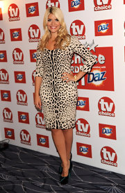 Holly Willoughby showed her wild side with this figure-hugging leopard print dress.