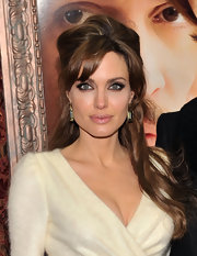 Angelina Jolie perfected the smoky eye for the world premiere of 'The Tourist.'