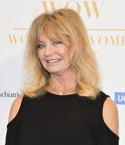 Goldie Hawn sported a flippy 'do with eye-grazing bangs at the Wonder of Women Summit.
