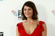 Gemma Arterton sported a cute and casual wavy 'do at the BFI London Film Festival photocall for 'Their Finest.'