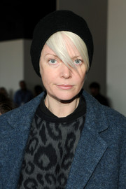 Kate Lanphear kept cozy with a black knit beanie at the Theory fashion show.
