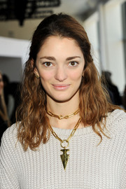 Sofia Sanchez styled her wavy locks into a casual-chic half-up 'do for the Theory fashion show.