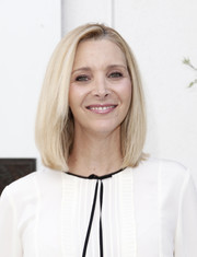 Lisa Kudrow wore her hair in a neat bob at the 'Who Do You Think You Are?' FYC event.