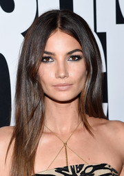 Lily Aldridge contrasted her bold eyes with a subtle nude lip.
