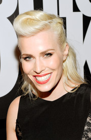Natasha Bedingfield went for a vintage vibe with this victory roll during Fashion Rocks 2014.