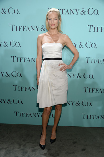 http://www4.pictures.stylebistro.com/gi/Tiffany+Co+Celebrates+Blue+Book+Ball+Rockefeller+6N2lY0u0aGNl.jpg