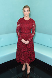 Reese Witherspoon looked breathtaking in a long-sleeve red lace dress by Lela Rose at the Tiffany & Co. Holiday Breakfast.