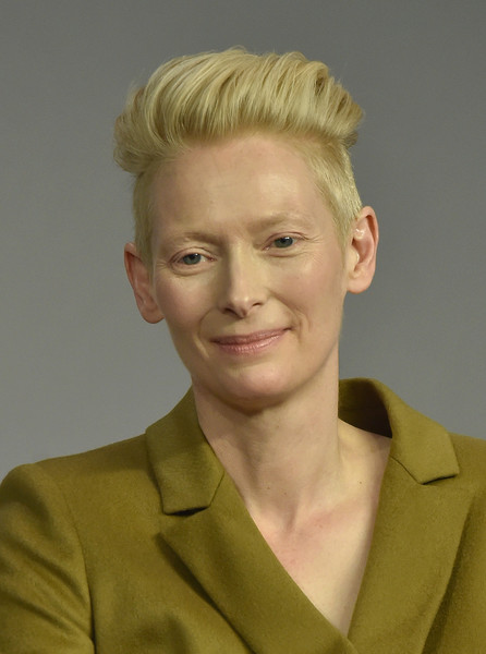 Tilda Swinton Fauxhawk [soho presents meet the filmmaker: tilda swinton,a bigger splash,hair,face,hairstyle,forehead,chin,blond,head,eyebrow,jaw,pixie cut,luca guadagnino,tilda swinton,soho,new york city,apple store]