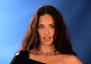 Adriana Lima adorned her bare neckline with a chic sterling choker.