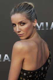 Annabelle Wallis styled her hair into a simple bun for the Madrid premiere of 'The Mummy.'
