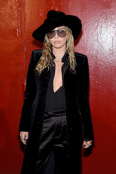 More Pics of Miley Cyrus Fur Hat (1 of 14) - Winter Hats Lookbook - StyleBistro [clothing,eyewear,hat,outerwear,fedora,coat,headgear,fashion accessory,velvet,style,arrivals,tom ford - arrivals,tom ford,miley cyrus,new york city,new york fashion week]
