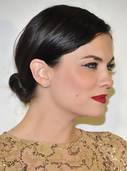 A low twisted bun was sleek and subtle on Jodi Lyn O'Keefe at the Project Angel Food event in Beverly Hills.