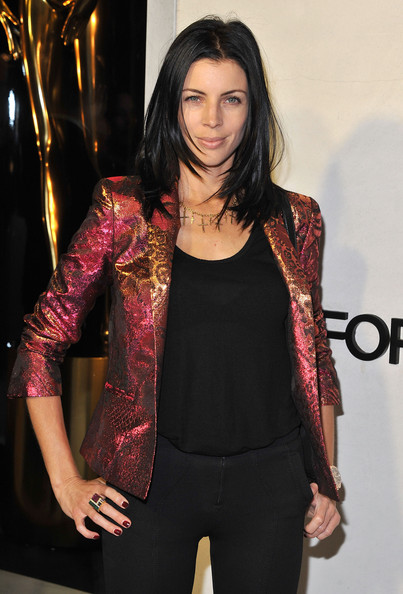 More Pics of Liberty Ross Gold Collar Necklace (1 of 6) - Liberty Ross Lookbook - StyleBistro