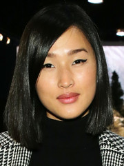 Nicole Warne was modern-chic at the Tommy Hilfiger fashion show wearing this sleek asymmetrical bob.