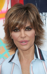 This layered 'do looks so stylish on Lisa Rinna. No wonder she never ever changes it!