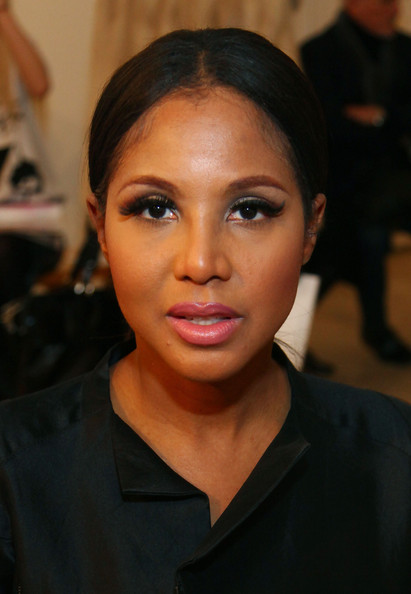 Toni Braxton False Eyelashes [hair,face,eyebrow,hairstyle,lip,forehead,beauty,chin,cheek,black hair,juan carlos obando,toni braxton,front row,new york city,lehmann maupin gallery,mercedes-benz fashion week,fashion show]