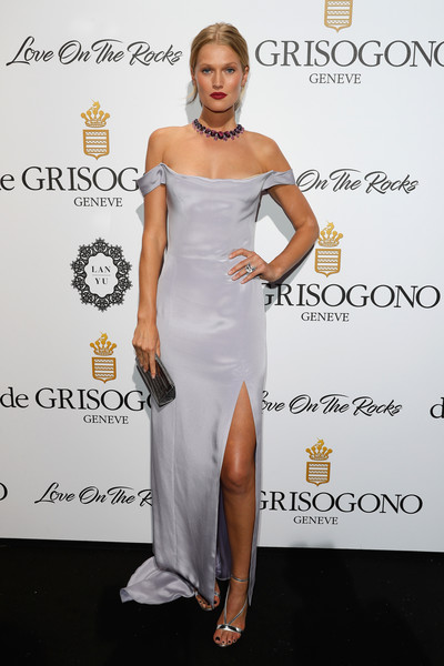 Toni Garrn Off-the-Shoulder Dress [love on the rocks,love on the rocks,flooring,joint,cocktail dress,shoulder,gown,fashion model,dress,carpet,leg,fashion,toni garrn,degrisogono,hotel du cap-eden-roc,france,cap dantibes,cannes film festival,party]