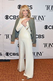 Judith Light looked super sleek on the red carpet when she sported a white blouse and matching white trousers.