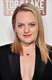 Elisabeth Moss sported a trendy asymmetrical cut at the premiere of 'Top of the Lake: China Girl.'