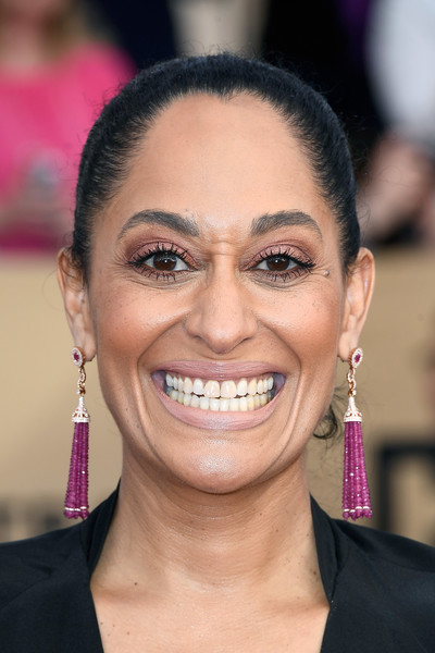 Tracee Ellis Ross Gemstone Chandelier Earrings [face,hair,eyebrow,facial expression,smile,hairstyle,chin,skin,forehead,nose,arrivals,tracee ellis ross,screen actors guild awards,los angeles,california,the shrine auditorium]