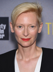 Tilda Swinton rocked an androgynous vibe with this short side-parted 'do at the New York premiere of 'Trainwreck.'