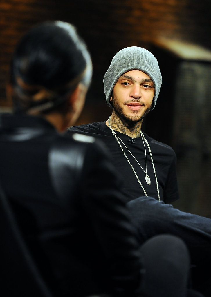 is travis mccoy dating The first version of the cupid's chokehold video directed by andrew paul bowser for the album the papercut chronicles features mc travis mccoy working at a toy factory while working, he stumbles upon a prototype toy which turns out to be a life size doll.