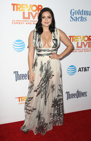 Ariel Winter was all cleavage in a low-cut black-and-white print gown by Maria Lucia Hohan at the 2016 TrevorLIVE LA.