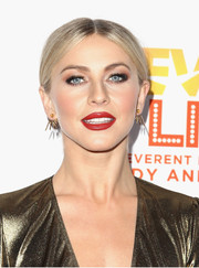 Julianne Hough teamed a red lip with heavy eye makeup for a striking beauty look.