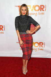 Keltie Knight's plaid pencil skirt and turtleneck were a cute pairing.