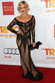 Peta Murgatroyd brought major sultriness to TrevorLIVE with this scoopneck black lace gown with a nude underlay.