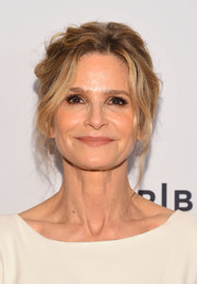 Kyra Sedgwick styled her hair into a messy updo for the Tribeca TV Festival premiere of 'Ten Days in the Valley.'